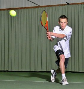 Tennisspieler in Aktion